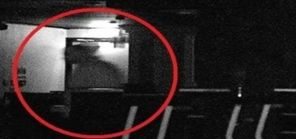 Assombração filmada por câmeras internas (Gazette Live)