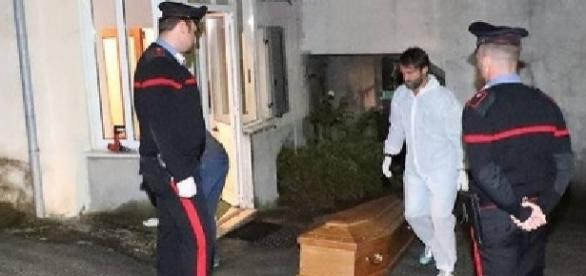 MOARTE suspectă a unei BADANTE din Italia. A fost găsită cu o curea în jurul gâtului