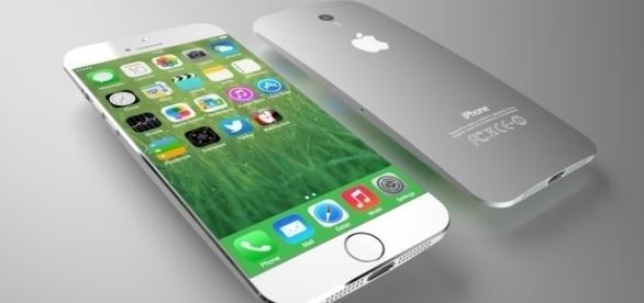 iPhone 7 plateado / Foto: CNTE SP