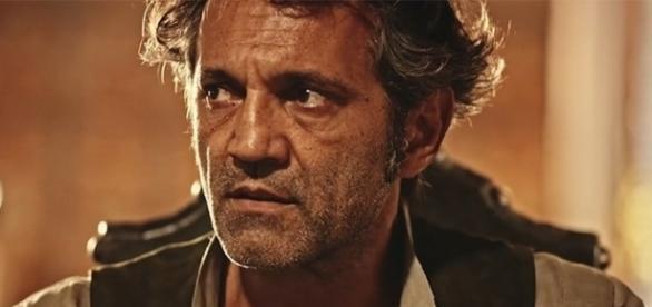 Santo na novela Velho Chico dará início ao projeto do filho Miguel.