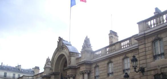 Entrée du Palais de l'élysée - opinion - CC BY