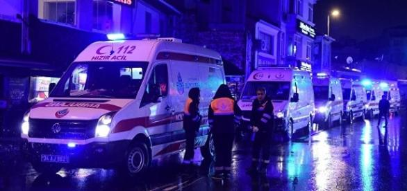 Istanbul, l'intervento dei mezzi di soccorso dopo l'attentato di Capodanno