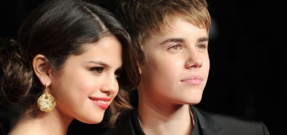 Justin Bieber Follows Selena Gomez on Instagram Again - Justin ... - harpersbazaar.com