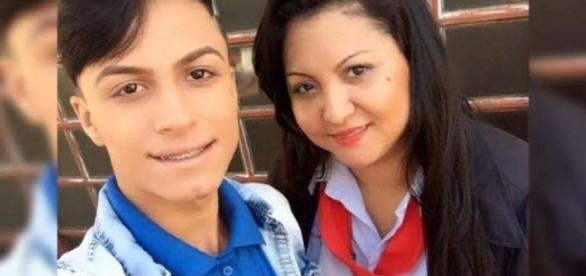 A mãe e filho assassinado por ela