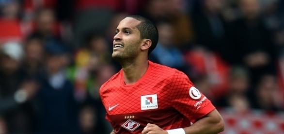 Flamengo acerta a contratação do volante Romulo