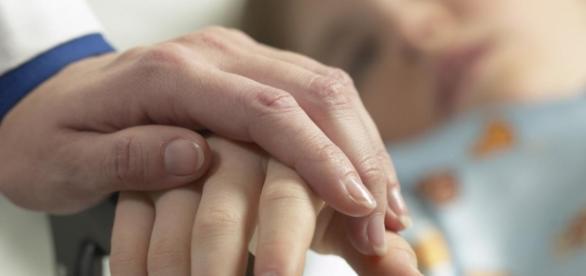 """La noticia de la eutanasia para una """"muerte digna"""" ha generado debates entre los que están a favor y en contra de la medida"""