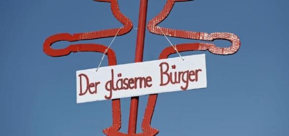 """Parteiprogramm: """"Gläserner Staat statt gläserner Bürger"""" - die ... - handelsblatt.com"""