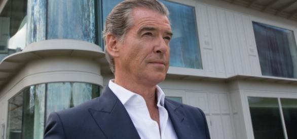 Primer thriller psicológico para Pierce Brosnan, tratando de salir de su eterno papel en James Bond