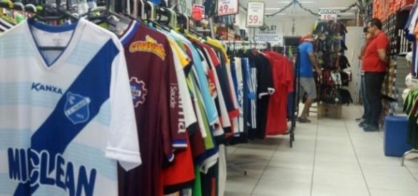 Santos mandou para as lojas mais de 60 mil camisas