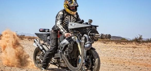 War Horse tem dois tanque de óxido nitroso e chega aos 320 km/h
