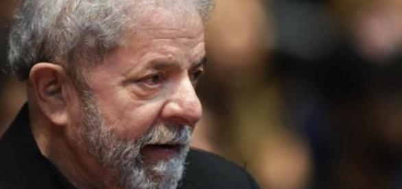 Lula é vaiado durante encontro de sindicalistas