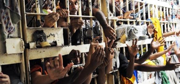 O sistema prisional brasileiro está na UTI e precisa de ajuda o mais rápido possível.