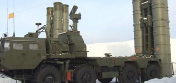 Sistemul anti-aerian S-400 Triumf a fost dislocat în împrejurimile Moscovei - Foto: captură YouTube