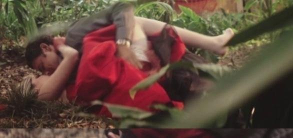 Bárbara Evans em cena quente com Cauã Reymonds em ´Dois Irmãos´, da Globo