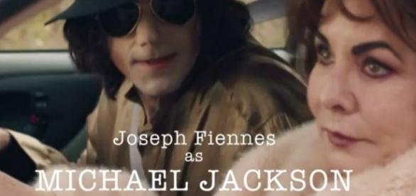 """El actor británico de """"Shakespeare In Love"""" interpreta a Michael Jackson en """"Urban Myths"""""""