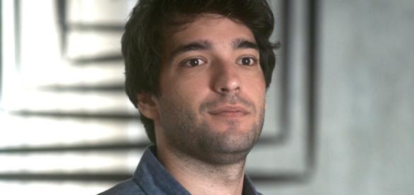 Humberto Carrão é Tiago em A Lei do Amor