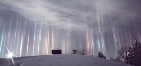 """Timothy Elzinga registrou belas imagens de """"pilares de luz"""" em Ontario"""
