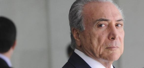 "Presidente Michel Temer fará ""faxina"" na secretaria do governo"