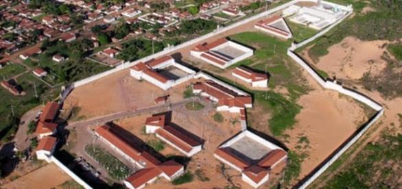 Penitenciária Alcaçuz tem rebelião e detentos investem outros pavilhões