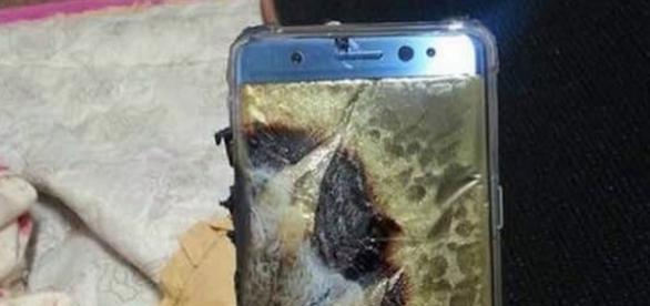 Official word from Samsung on Galaxy Note 7 battery flaw on January 23 / Photo from 'LinkwayLive' - linkwaylive.com