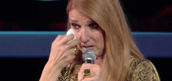 Céline Dion en larme dans une vidéo en hommage à René