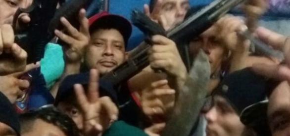 Crime em rebelião chama a atenção do Brasil - Google