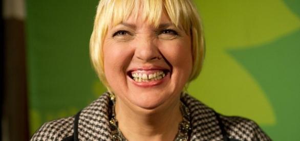 Da lacht sie. Aber ihre Partei derzeit wenig. Die Grünen stürzen ab. (Fotoverantw./URG Suisse: Blasting.News Archiv)