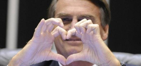 Jair Bolsonaro: famosoa apoiam candidato à presidência