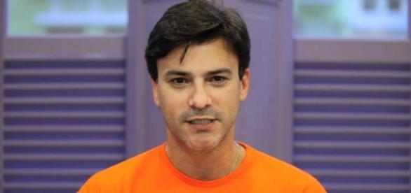 Leonardo Vieira assumiu homossexualidade (Foto: Reprodução/Youtube)