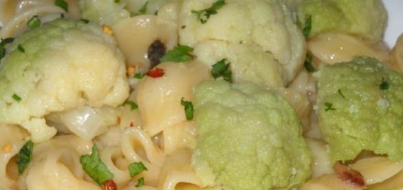 Orecchiette e cavolfiore: semplici ingredienti per un gusto eccezionale.