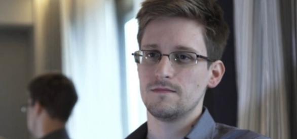 Visto de residência de Edward Snowden alargado até 2020