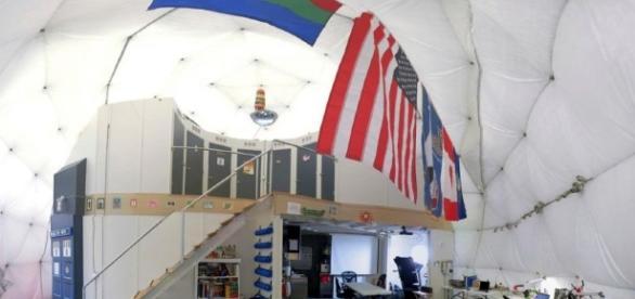 L'interno della cupola che ospiterà i sei ricercatori per otto mesi. Photo by University of Hawaii