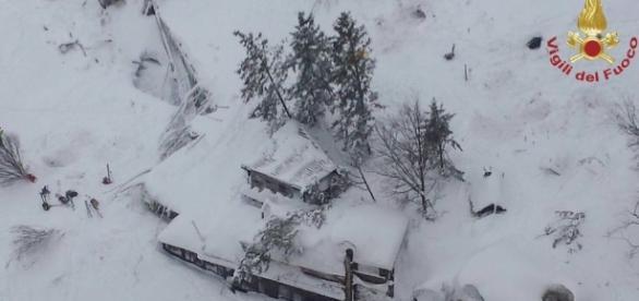 Varios muertos por una avalancha de nieve en un hotel de Italia
