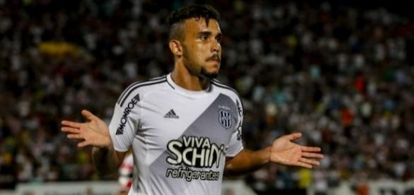 Atacante William Pottker está na mira de Santos e Corinthians (Foto: Reprodução/O Chute)