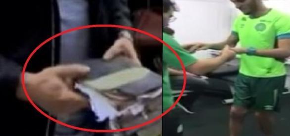 Bíblia encontrada em escombros de avião