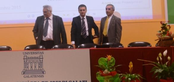 Directorul Cezar Bichescu alături de doctorul Bacalbașa la extensiunea din Enna