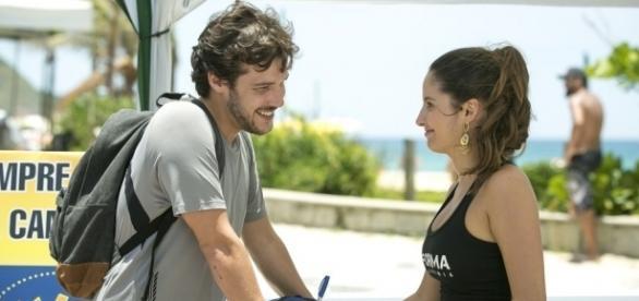 Jayme Matarazzo em cena com Amanda de Godoi na Malhação (Foto: TV Globo)