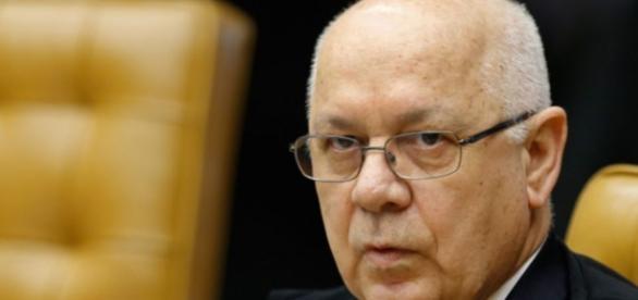 Ministro do Supremo, Teori Zavascki, estava na lista de passageiros de avião que caiu em Parati (RJ)