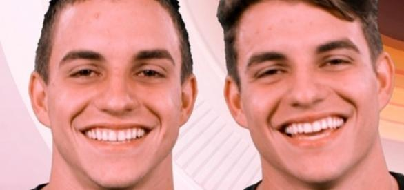 Quatro gêmeos que vão disputar uma vaga no Big Brother Brasil 17 (Foto: TV Globo)