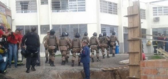 Rebelião em presídio de Lages/SC resulta em presos queimados.
