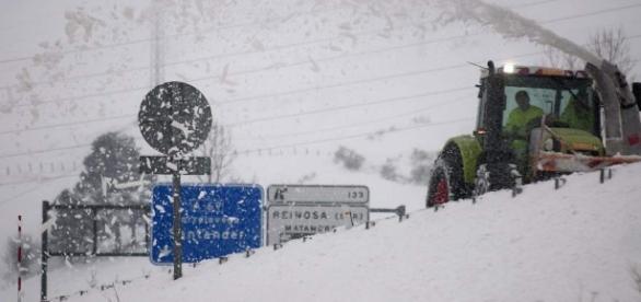 Carreteras cortadas por la nieve en la mitad norte y Mallorca y ... - 20minutos.es