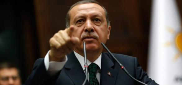 Il presidente turco Erdogan si avvia al potere assoluto