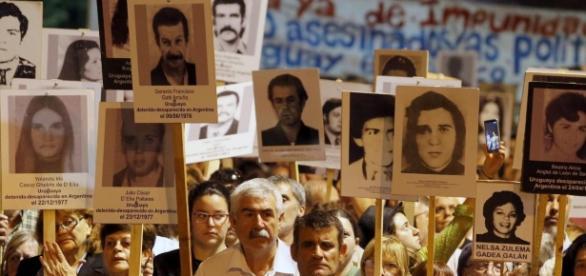 Manifestazione in Uruguay per i decaparecidos