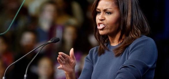 Michelle Obama: su Twitter ha riacceso le speranze di chi la vuole candidata alle presidenziali americane del 2020.