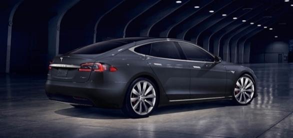Novo Tesla Model S 100D tem o preço de US$ 95.800