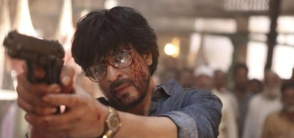 Shah Rukh Khan from 'Raees' (Image credits: screencap from the yotubube/Red Chillies Entertainment)