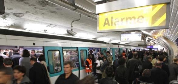 Une foule à la station Saint-Lazare - liberation.fr