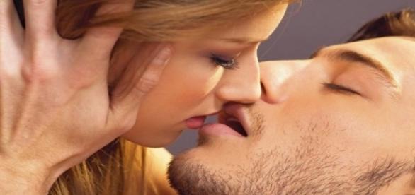 Seguindo algumas dicas é possível deixar seu beijo inesquecível