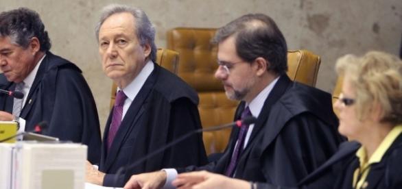 Mnistros do STF divergem sobre quem poderia assumir relatoria da Lava-Jato