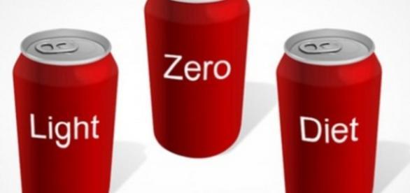 O consumo de refrigerante, ainda que seja sem açúcar, é sempre um risco para a dieta
